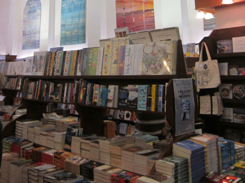 Books in a book store - the benefits of belonging to a book club